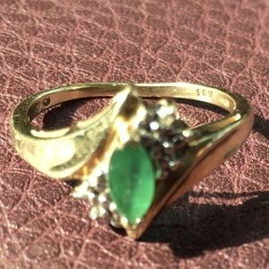 Real 10K gold Emerald ring